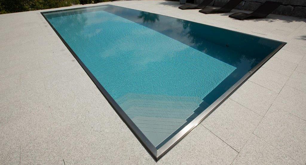 Schwimmbäder von Dino Pool