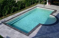 Betonschwimmbecken