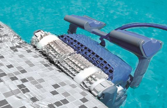 Automatische Schwimmbadreinigung